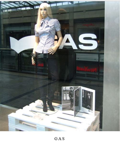 Window-Mannequin LC5_003.JPG