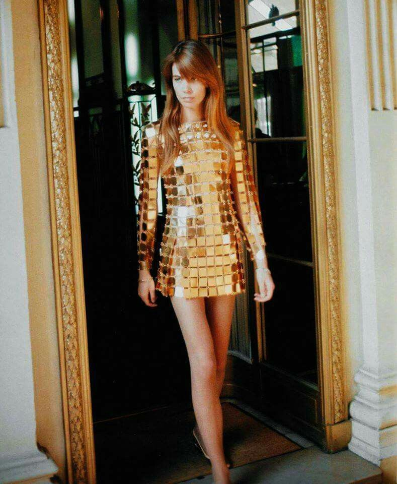 Francoise Hardy in Paco Rabanne metal 01