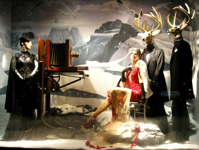 bergdorf-christmas-window-picture-2.jpg